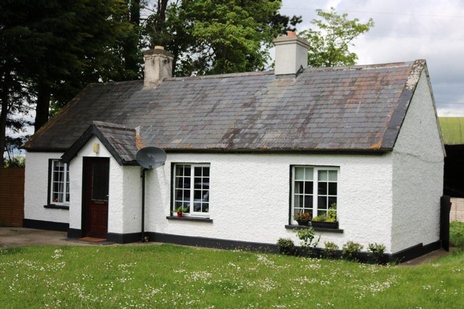 Cottage on c. 0.3 Ac/ 0.12 Ha Crockaun, Ballyshannon, Kilcullen, Co. Kildare