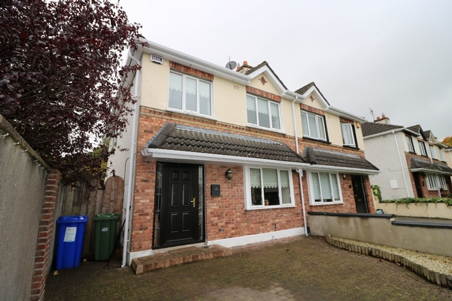 63 Rathcurragh, Green Road, Newbridge, Co. Kildare