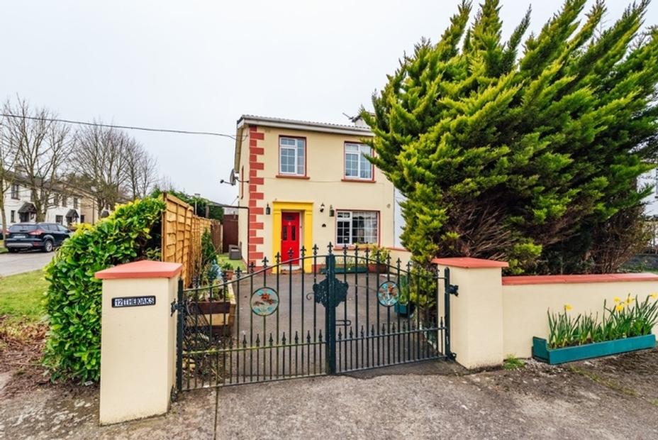 12 The Oaks, Newbridge, Co. Kildare